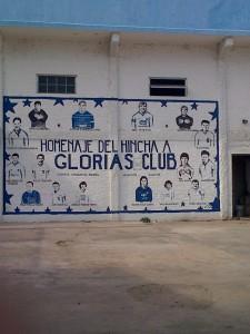 «Homenaje del hincha a las GLORIAS del club ARGENTINO»